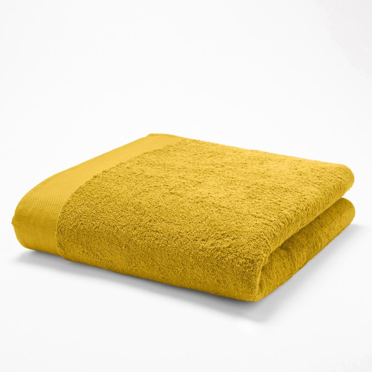 Полотенце банноеМягкая махровая ткань, 100% хлопка, 500 г/м2. Кайма диагональ. Стирка при 60°. 70 х 140 см.<br><br>Цвет: желтый шафран