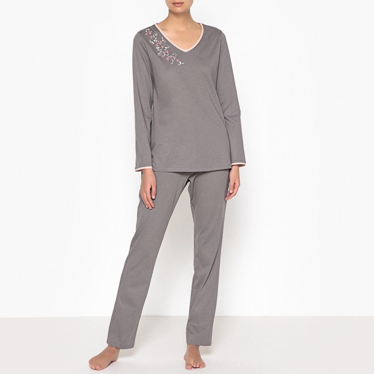Pijama em puro algodão, detalhe bordado