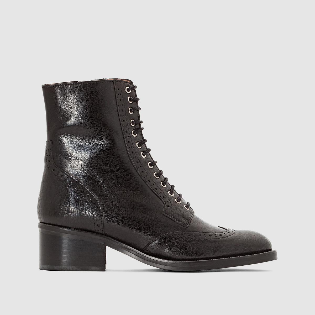Ботильоны из кожи на шнуровке ArlynВерх/Голенище : Голенище из кожи        Подкладка : Кожа. Стелька : Кожа. Подошва : Эластомер Высота каблука : 3,5 см Высота голенища : 17 см Форма каблука : Плоская Мысок : Закругленный Застежка : Шнуровка<br><br>Цвет: черный<br>Размер: 38