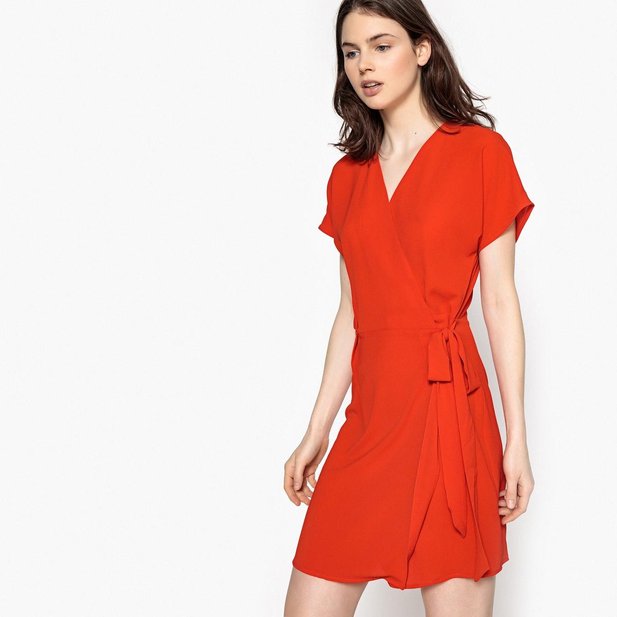 Платье короткое прямое однотонное с короткими рукавамиОписание:Детали •  Форма : прямая •  Укороченная модель •  Короткие рукава    •   V-образный вырезСостав и уход •  100% полиэстер •  Следуйте рекомендациям по уходу, указанным на этикетке изделия<br><br>Цвет: красный