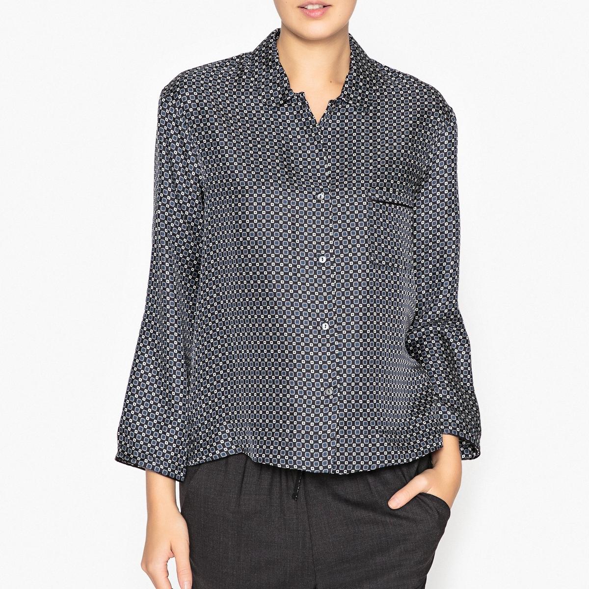 Рубашка шелковая ASTRELLEРубашка MOMONI - модель ASTRELLE из 100% шелка, в клетку, пижамного фасона. Детали •  Длинные рукава •  Покрой бойфренд, свободный •  Воротник-поло, рубашечный  •  Рисунок в клеткуСостав и уход •  100% шелк •  Следуйте советам по уходу, указанным на этикетке •  Небольшой разрез сбоку •  Тонкая тесьма на манжетах и кармане<br><br>Цвет: темно-синий<br>Размер: 40 (FR) - 46 (RUS)