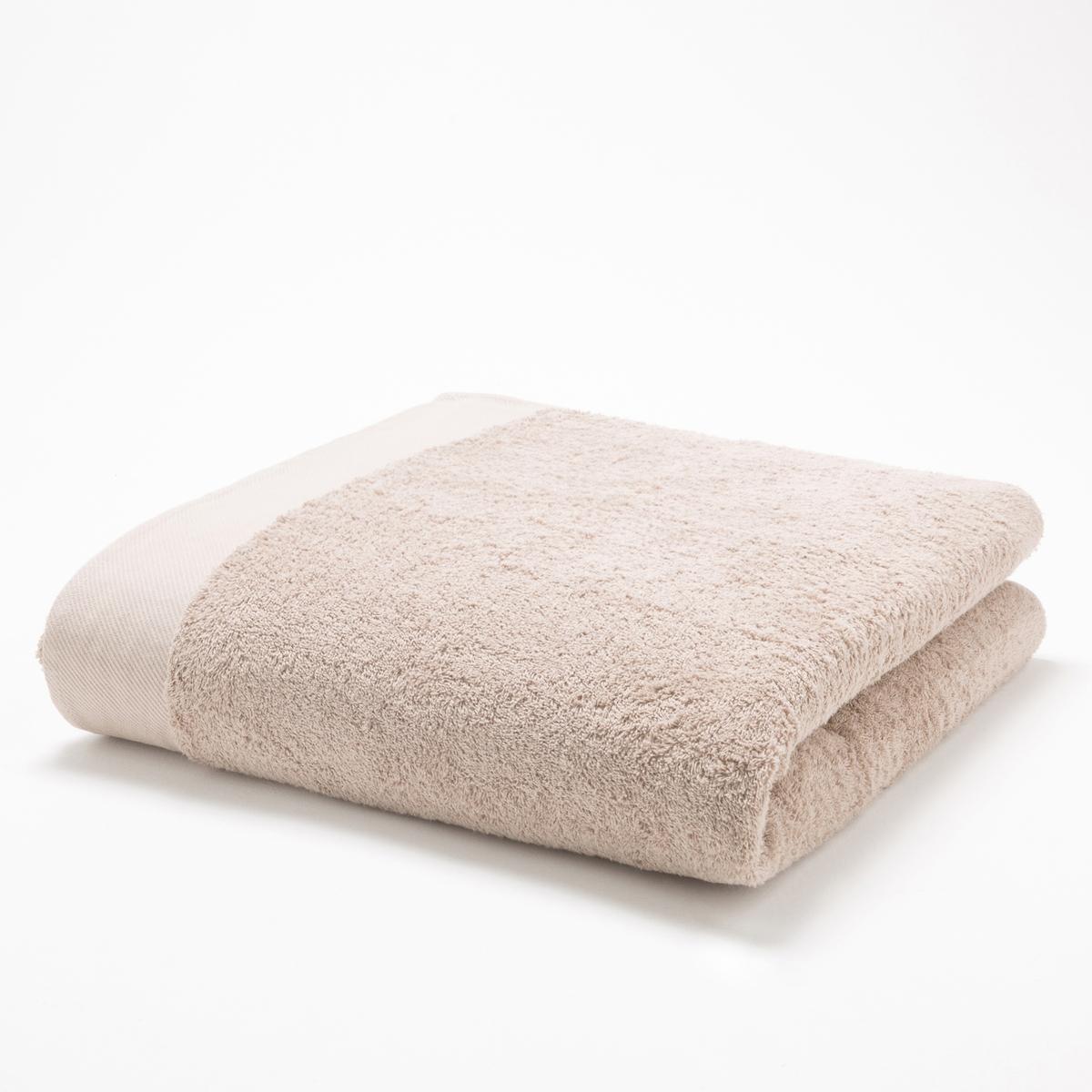 Полотенце банноеМягкая махровая ткань, 100% хлопка, 500 г/м2. Кайма диагональ. Стирка при 60°. 70 х 140 см.<br><br>Цвет: серо-бежевый,серо-синий,темно-серый,фиолетовый,черный<br>Размер: 70 x 140 см