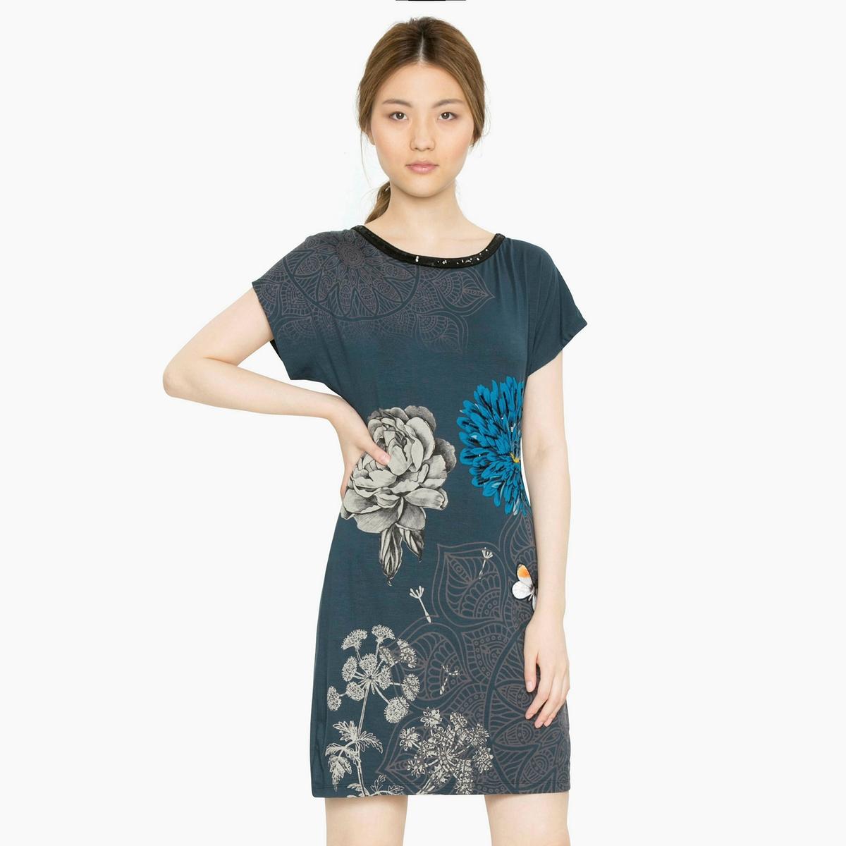 Платье короткое с короткими рукавамиДетали •  Форма : МИНИ •  короткое  •  Короткие рукава    •  Круглый вырез •  Цветочный рисунок Состав и уход •  95% вискозы, 5% эластана •  Следуйте советам по уходу, указанным на этикетке<br><br>Цвет: синий/сталь<br>Размер: M.L.XL.S