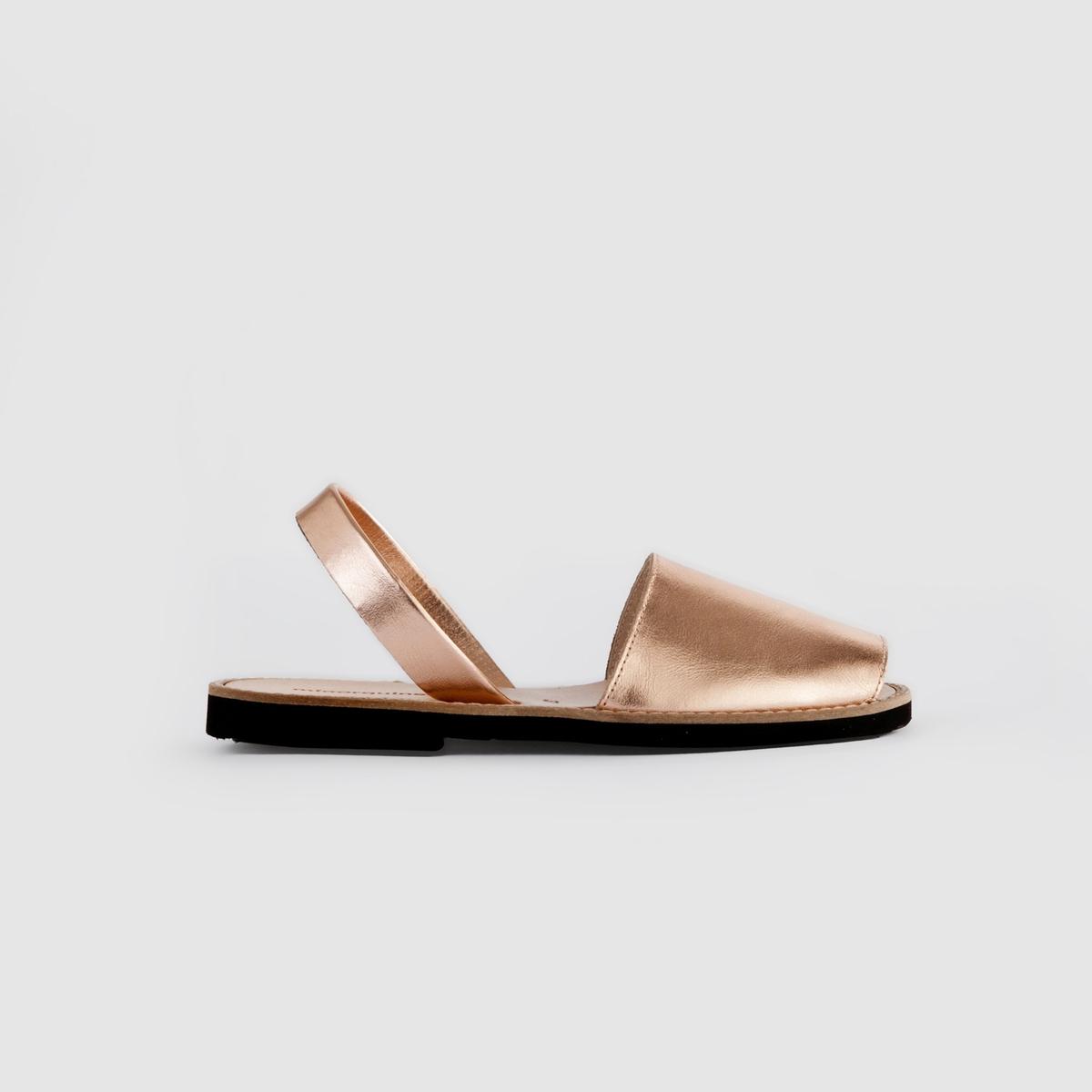 Босоножки кожаные на плоском каблуке AVARCA METAL сапоги кожаные на плоском каблуке 1137