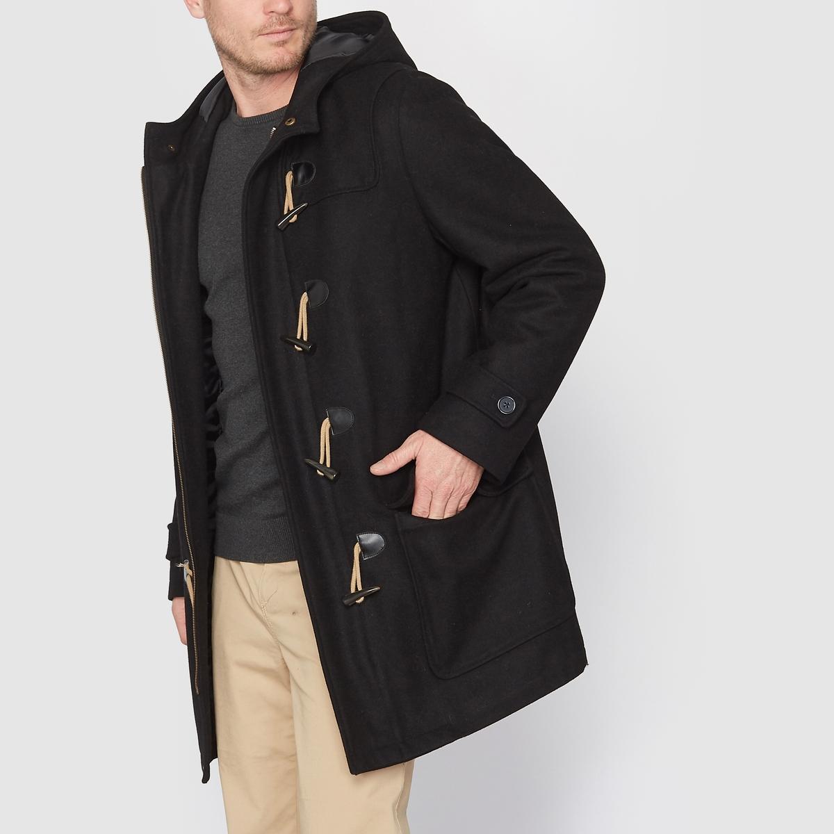 Пальто короткое с капюшоном драповоеКороткое пальто с капюшоном. Отличный элемент зимнего гардероба! С капюшоном. Драп: 65% шерсти, 25% полиэстера, 5% других волокон, 5% акрила, двойная подкладка 100% полиэстер. Длина 89 см. Застежка на молнию, застежки-петли из шнура, пуговицы с имитацией шнура. 2 накладных кармана. 2 внутренних кармана. Манжеты с застежкой-планкой на пуговицы.<br><br>Цвет: черный<br>Размер: 78/80