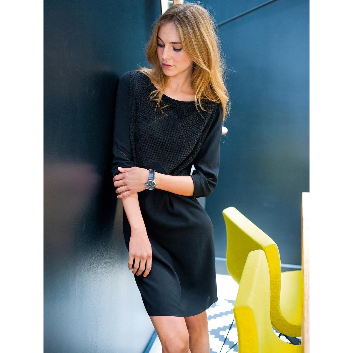 Платье с деталями из гипюраПлатье из 100% вискозы. Детали из гипюра спереди. Рукава 3/4 украшены мережкой. Длина: 90 см.<br><br>Цвет: темно-зеленый,черный<br>Размер: 46 (FR) - 52 (RUS)