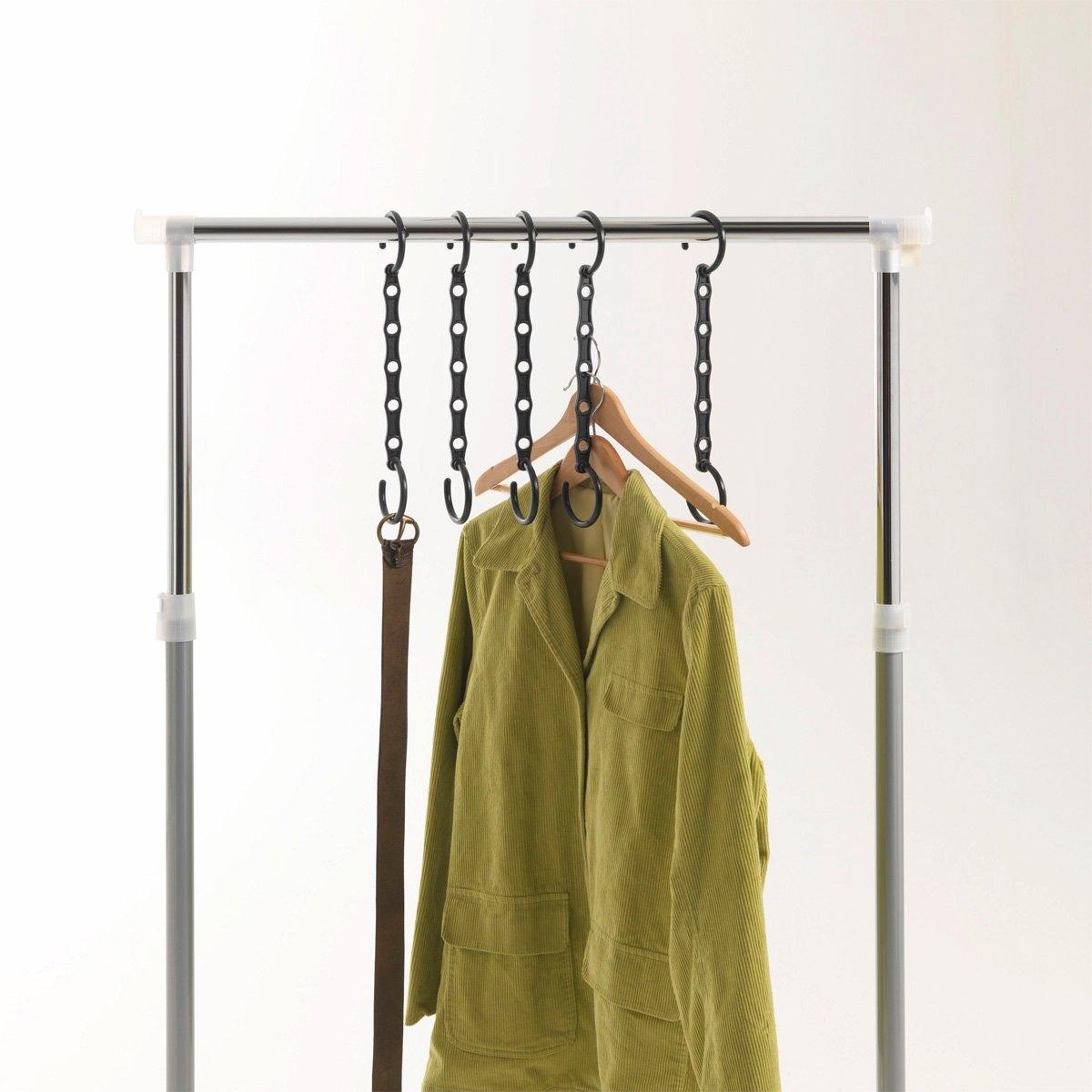5 крючков для вешалокСэкономьте до 40% полезного пространства в шкафу! Из пластика. На каждый крючок можно подвесить до 5 плечиков.<br><br>Цвет: черный