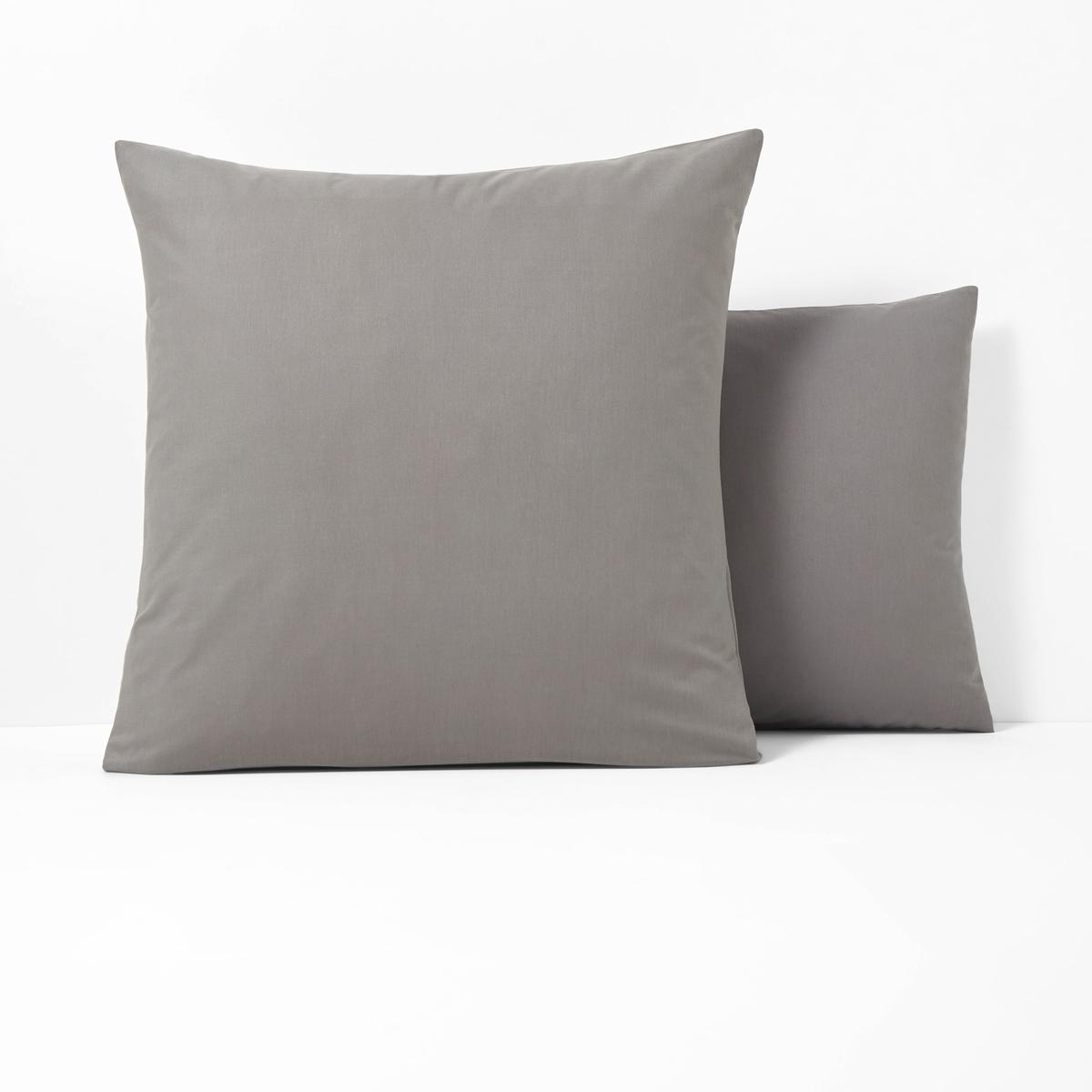 Наволочки из поликотонаКвадратная и прямоугольная наволочки из ткани 50% хлопка, 50% полиэстера плотного переплетения (57 нитей/см?) : длительный комфорт, отличная прочность. Чем больше плотность переплетения нитей/см?, тем качественнее материал.Характеристики наволочек из поликоттона без волана:- Наволочки (квадратная или прямоугольная) имеют широкий клапан для надёжного удерживания подушки.- В форме чехла, без воланов .- Отличная стойкость цветов к стиркам (60 °C), быстрая сушка, глажка не требуется.                                                                                                                                                                       Преимущества   : великолепная гамма очень современных оттенков для сочетания по желанию с простынями и пододеяльниками SCENARIO и рисунками коллекции. Знак Oeko-Tex® гарантирует, что товары протестированы и сертифицированы, не содержат вредных веществ, которые могли бы нанести вред здоровью.                                                                                                          Наволочка :50 x 70 см : прямоугольная наволочка63 x 63 см : квадратная наволочка                                                                                                                               Найдите другие предметы постельного белья SC?NARIO на нашем сайте<br><br>Цвет: антрацит,желтый лимонный,сине-зеленый