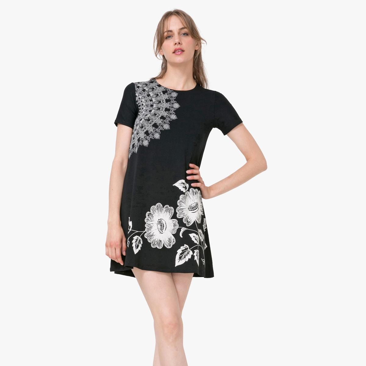 Платье с короткими рукавами и рисункомМатериал : 97% вискозы, 3% эластана  Длина рукава : короткие рукава  Форма воротника : круглый вырез Покрой платья : расклешенный покрой Рисунок : цветочный   Длина платья : короткое<br><br>Цвет: черный<br>Размер: S.XXL