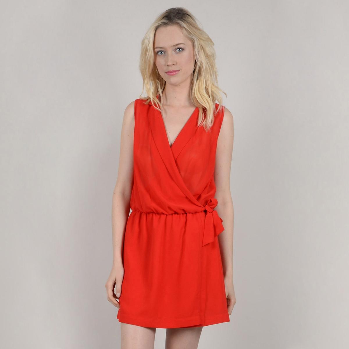Платье короткое однотонное с запахом без рукавов