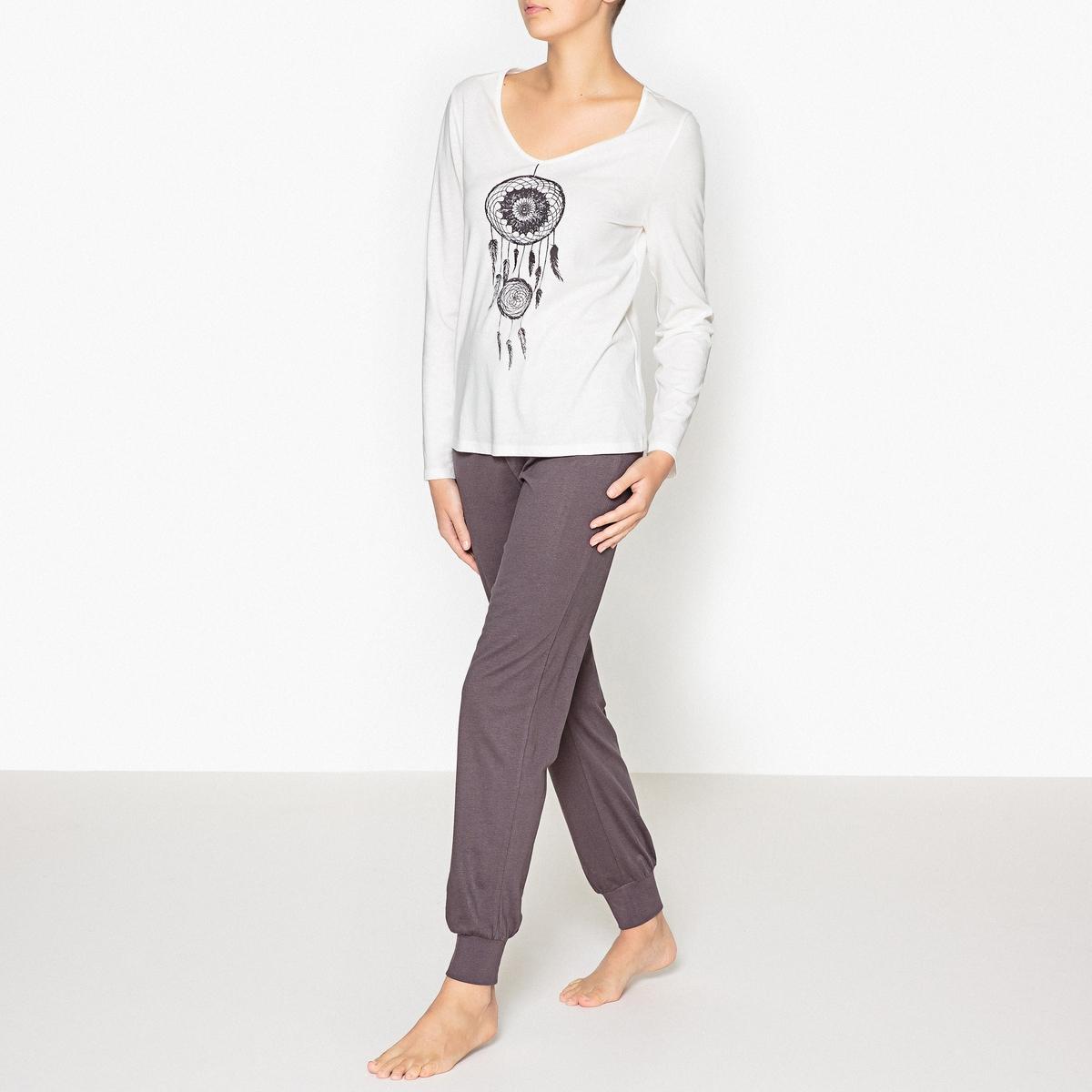 Пижама с рисункомПижама с рисунком и длинными рукавами, R Edition.Пижама из 2 предметов прямого покроя. Верх с рисунком, V-образный вырез. Длинные рукава. Однотонные брюки с эластичным поясом. Низ брючин на резинках.    Состав и описание : Материал : 100% хлопок Длина :Верх: 62 смПо внутр.шву : 76 смМарка : R Edition.Уход:Машинная стирка при 30 °С на деликатном режиме с вещами схожих цветов.Стирать, сушить и гладить при низкой температуре с изнаночной стороны.<br><br>Цвет: белый/ шоколадный<br>Размер: 38/40 (FR) - 44/46 (RUS)