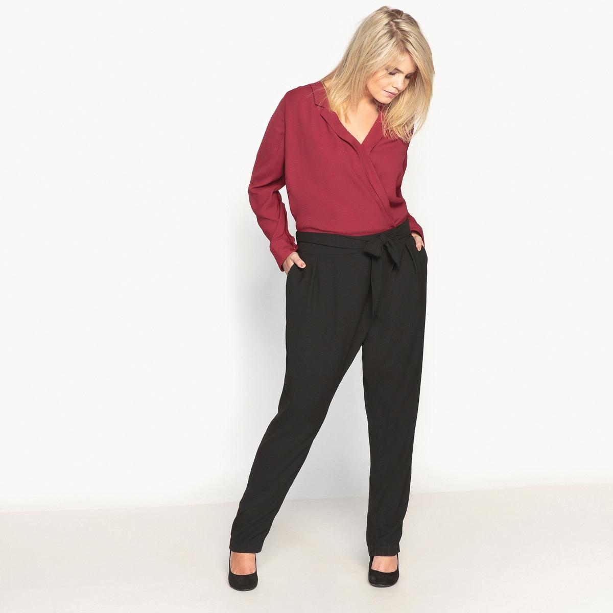 Комбинезон с брюками двухцветныйОписание:Модный двухцветный комбинезон с брюками. Красивый покрой слим, подчеркивающий силуэт. Очень оригинальный комбинезон с брюками.Детали •  Покрой слим, дудочки     •  Графичный рисунокСостав и уход •  100% полиэстер  •  Температура стирки 30°   •  Сухая чистка и отбеливание запрещены •  Не использовать барабанную сушку •  Низкая температура глажкиТовар из коллекции больших размеров<br><br>Цвет: двухцветный