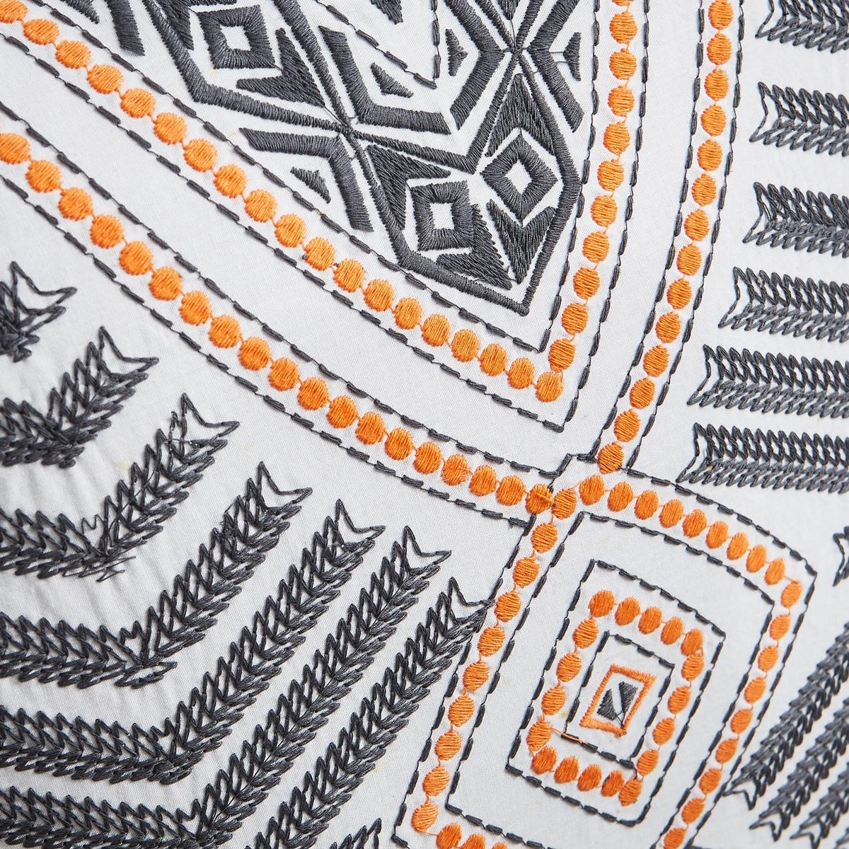 Чехол для подушки SantoftЧехол для подушки Santoft с рисунком и вышивкой. Застежка на молнию. Стирка при 30°.Состав:- 100% хлопок. Размеры :- 40 x 40 см.Подушка продается отдельно на сайте.<br><br>Цвет: оранжевый/ черный<br>Размер: 40 x 40  см