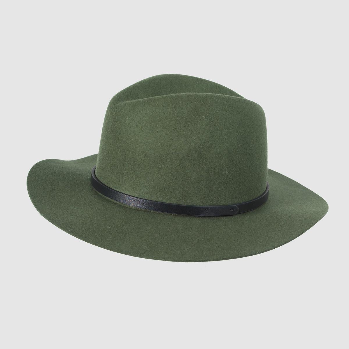 Шляпа из шерстиШляпа из шерсти, Atelier R .На самом пике моды, эта шляпа из шерсти придаст стильную нотку вашим прогулочным нарядам  !  Состав : 100% шерсти<br><br>Цвет: зеленый<br>Размер: единый размер