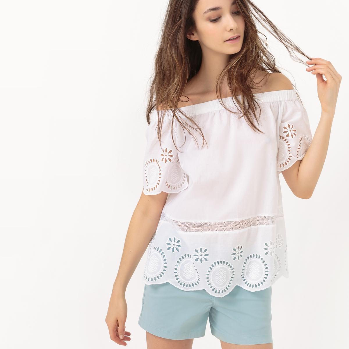 Блузка с открытыми плечами с вышивкой