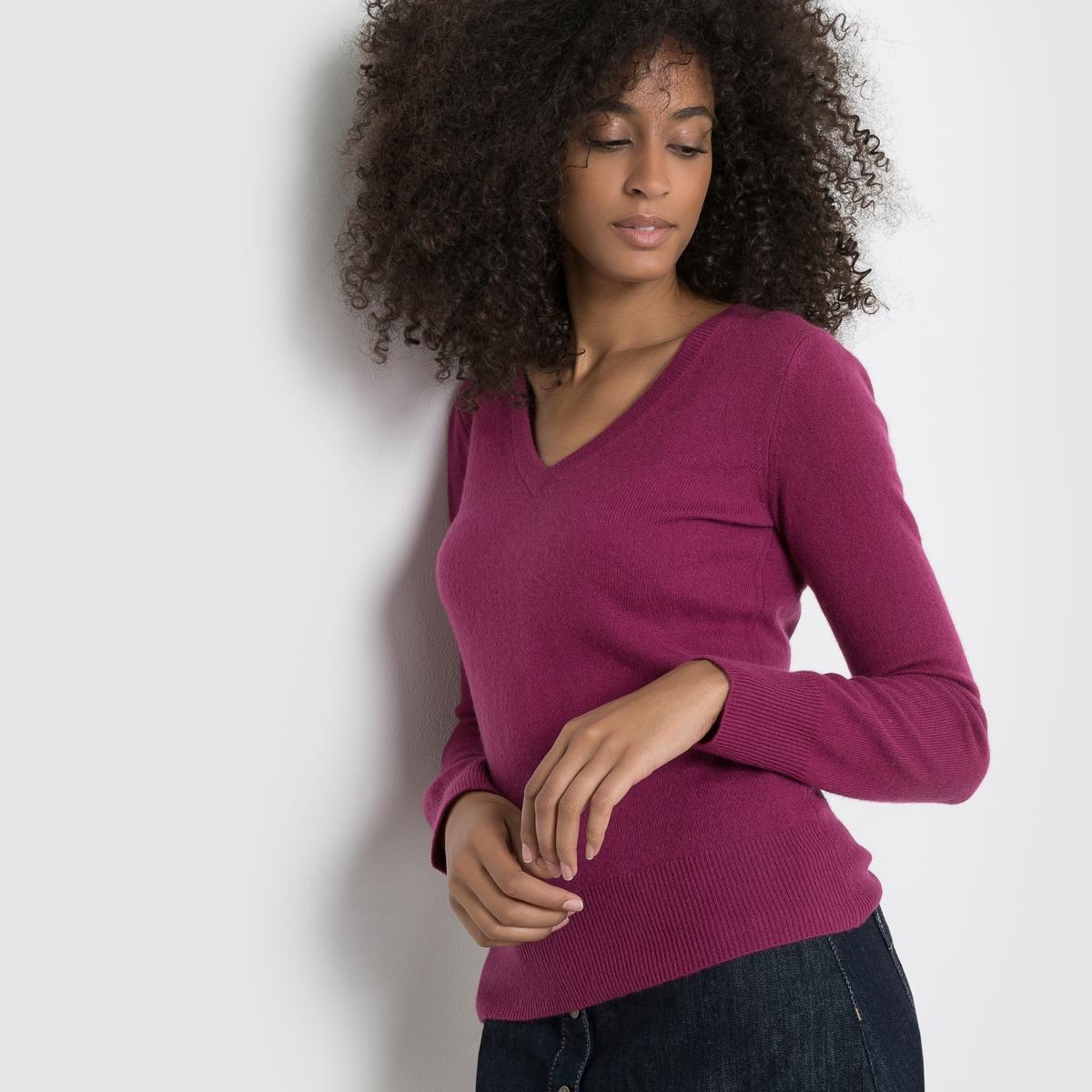 Пуловер с V-образным вырезом, 100% кашемираПуловер с V-образным вырезом и длинными рукавами. Края рукавов и низа связаны в рубчик.Джерси, 100% кашемира. Длина 64 см.<br><br>Цвет: красно-фиолетовый,красный/ кирпичный<br>Размер: 38/40 (FR) - 44/46 (RUS)