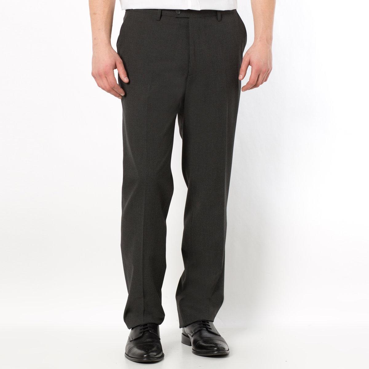 Брюки от костюма без защипов из ткани стретч, длина.2Можно носить как в сочетании с пиджаком, так и отдельно. Полнота пояса регулируется и подстраивается под любую морфологию. Застежка на молнию, пуговицу и крючок. 2 косых кармана. 1 прорезной карман с пуговицей сзади. Необработанный низ. Длина 2 : при росте от 187 см.- Длина по внутр.шву : 91,8-94,8 см, в зависимости от размера. - Ширина по низу : 21,4-27,4 см, в зависимости от размера. Есть также модель длины 1: при росте до 187 см. Есть также модель с защипами.<br><br>Цвет: антрацит,темно-синий,черный<br>Размер: 54.48 (FR) - 54 (RUS).58.64