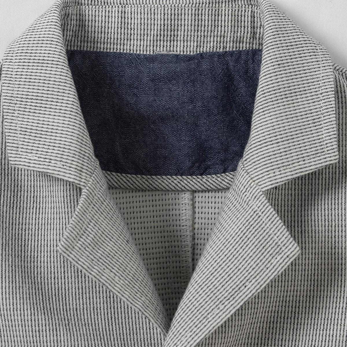 Куртка в полоску, 1 мес. - 3 годаКуртка в полоску. Застежка на 3 пуговицы. Карманы с отворотами.Состав и описаниеМатериал      100% хлопокМарка      R mini                 УходМашинная стирка при 30 °C с вещами схожих цветовСтирать и гладить с изнаночной стороныМашинная сушка запрещенаГладить при умеренной температуре<br><br>Цвет: в полоску<br>Размер: 1 мес. - 54 см.3 мес. - 60 см.6 мес. - 67 см
