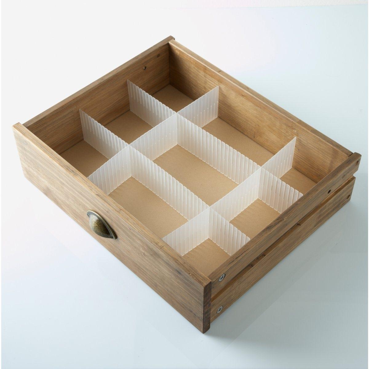 Органайзер для ящика комода (4 планки)Органайзер для удобного размещения вещей в ящике комода!Описание органайзера для ящика комода:4 планки легко и быстро монтируются и демонтируются, позволяя в мгновение ока навести порядок в ящиках комодов и шкафов!Этот модульный органайзер адаптируется к размерам ящика. Характеристики органайзера для ящика комода:100% полипропилена. Другие приспособления для хранения - на сайте laredoute.ru.Размер органайзера для ящика комода:Длина: 52 см. Высота: 9 см. Толщина: 0,05 см. Длина: 43 см. Высота: 9 см<br><br>Цвет: прозрачный