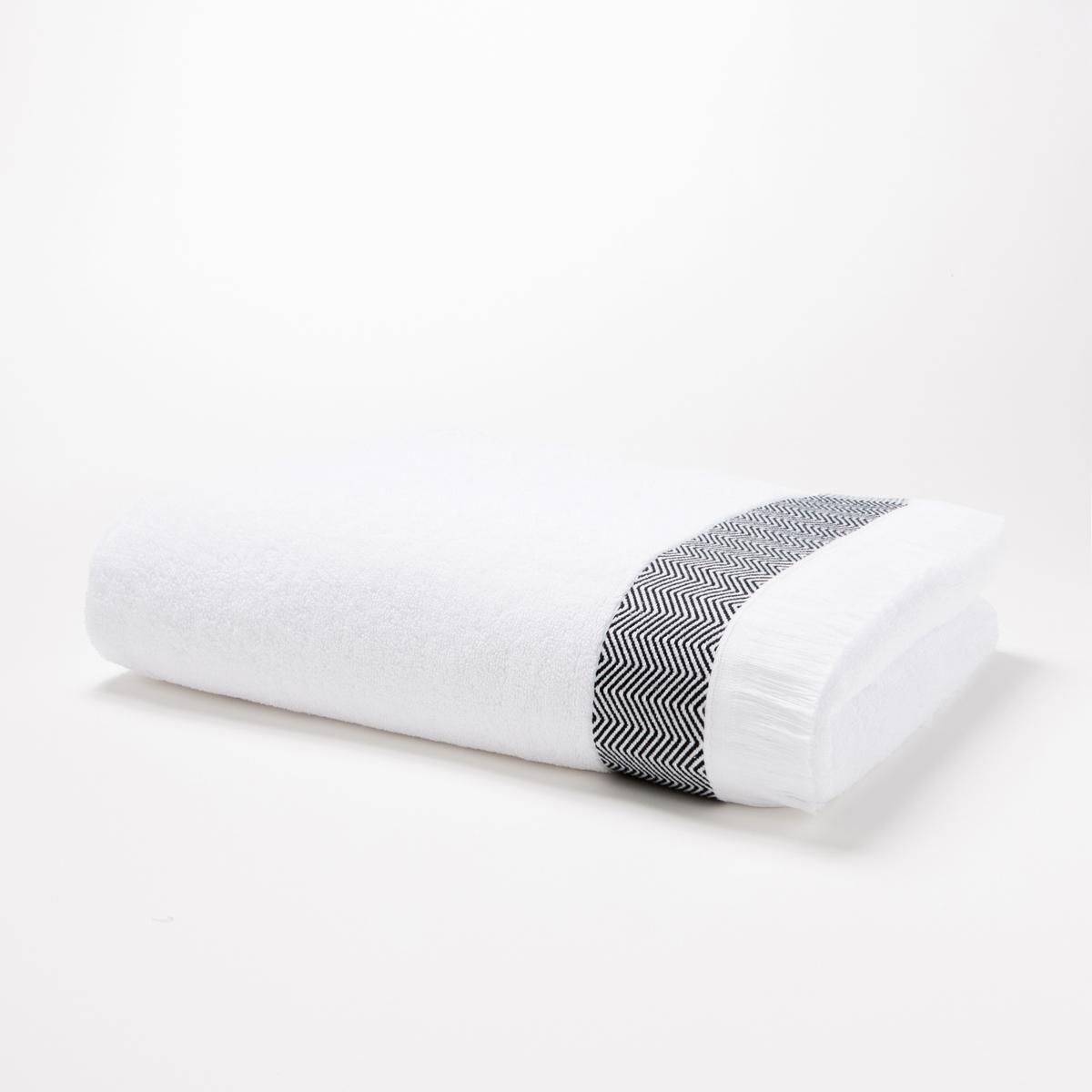 Полотенце банное большое, 500 г/м? - FringesХарактеристики большого банного полотенца Fringes :Ткань букле, 100% хлопокОтделка бахромой, края с зигзагообразным орнаментомМашинная стирка при 60 °СРазмеры большого банного полотенца Fringes :100 x 150 смМодель синего цвета представлена на сайте laredoute.ru<br><br>Цвет: белый