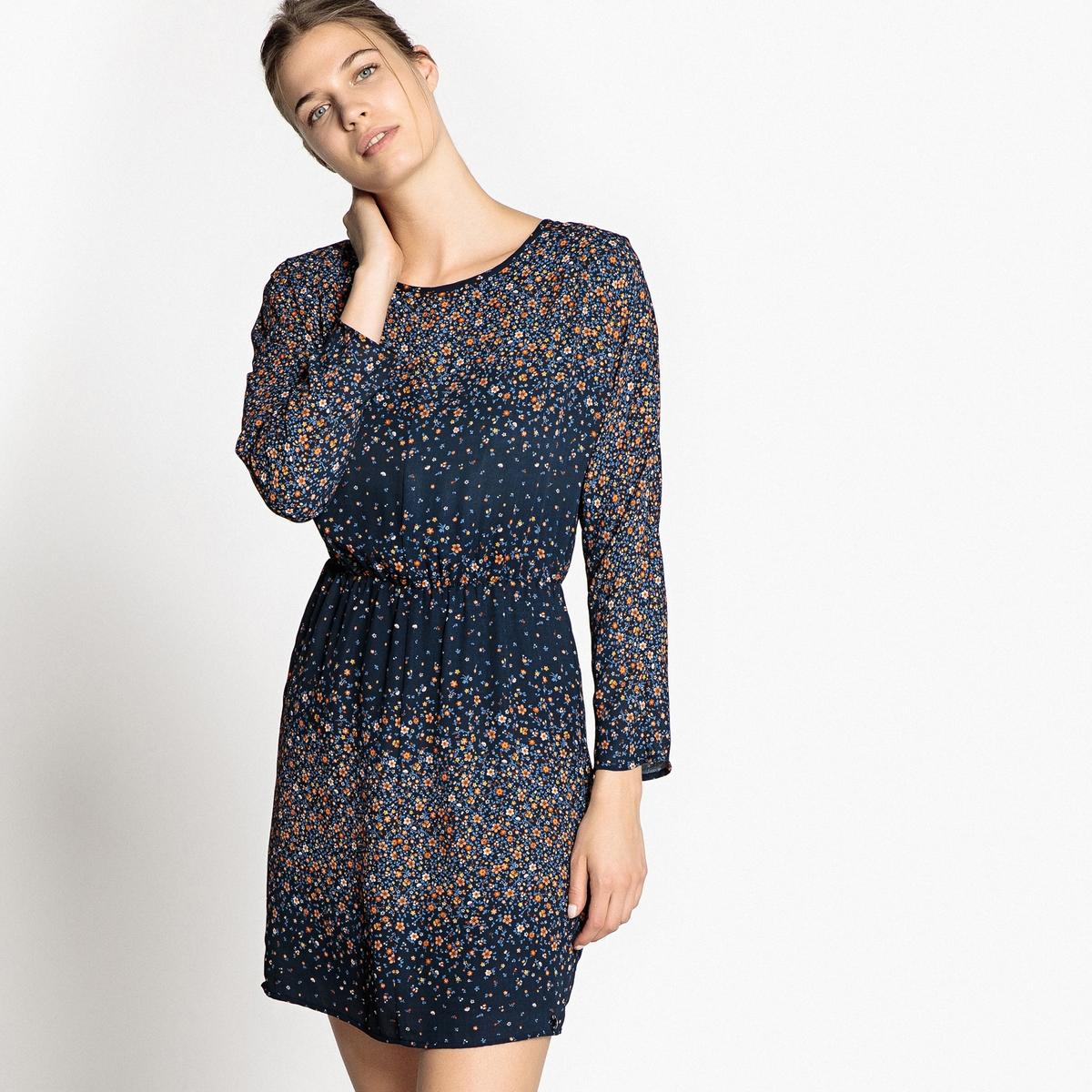 Платье короткое прямого покроя с рисунком и длинными рукавами платье прямого покроя с короткими рукавами и рисунком