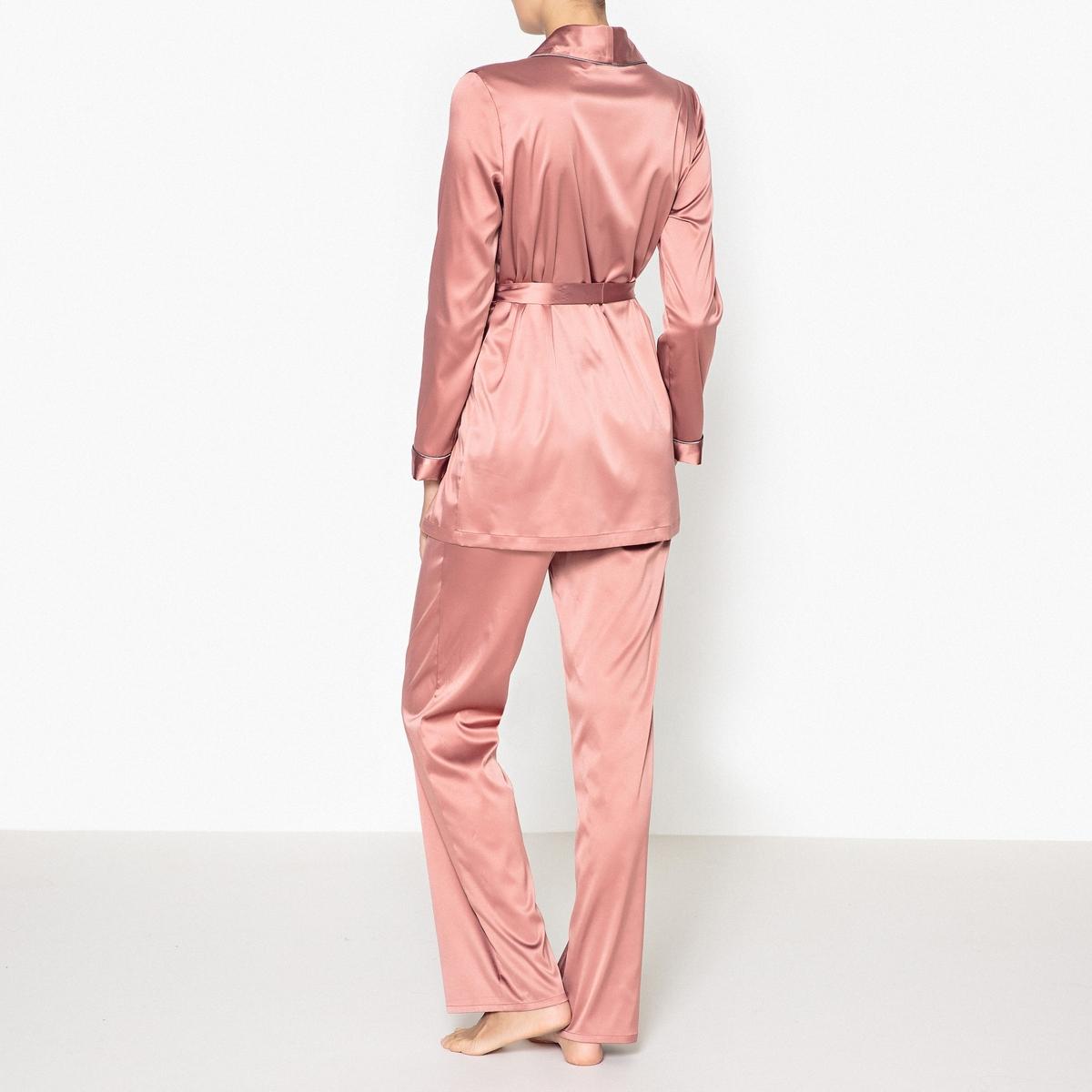 Пижама сатиноваяОчень женственная сатиновая пижама из струящегося материала в винтажном стиле идеальна для отдыха. Состав и описаниеПижама прямого покроя с длинными рукавами.Жакет с поясом, брюки на резинке.Материал :  96% полиэстера, 4% эластана. Длина: Верх : 72 см. Длина по внутр. шву: 76 смУход :Машинная стирка при 30 °С на деликатном режиме с вещами схожих цветов.Стирать и гладить при низкой температуре с изнаночной стороны.Машинная сушка запрещена.<br><br>Цвет: темно-розовый