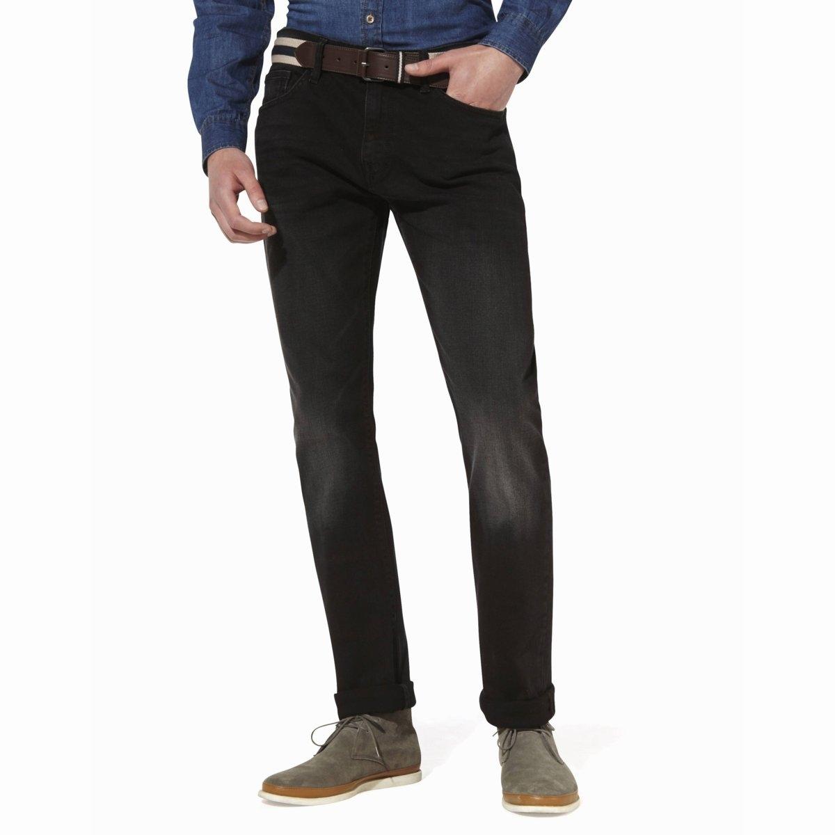 Джинсы COMEAN, прямой покройДжинсы модели COMEAN от CELIO.5 карманов. Прямой покрой. Деним стрейч, 99% хлопка, 1% эластана. Планка застёжки на пуговицы.<br><br>Цвет: черный