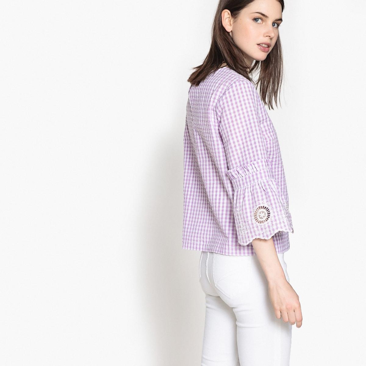 Blusa com estampado vichy, mangas largas bordadas