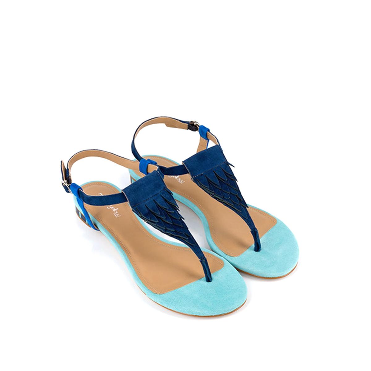 Босоножки кожаные BradВерх: кожа.  Подкладка: кожа.  Стелька: кожа.  Подошва: синтетика.Высота каблука: 1 см.  Форма каблука: плоский каблук.Мысок: закругленный.  Застежка: пряжка.<br><br>Цвет: синий морской<br>Размер: 37