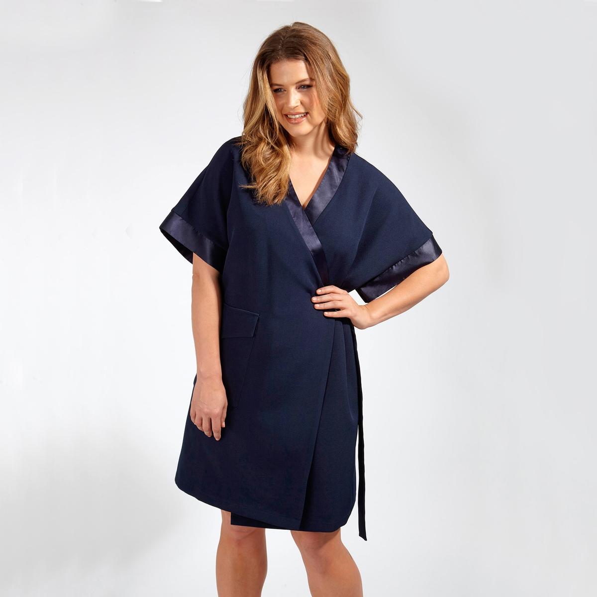 ПлатьеПлатье с короткими рукавами LOVEDROBE. Платье присборено на талии с помощью завязок. Боковой карман. Широкие рукава  . 100% полиэстер<br><br>Цвет: синий морской<br>Размер: 48 (FR) - 54 (RUS).46 (FR) - 52 (RUS).44 (FR) - 50 (RUS)