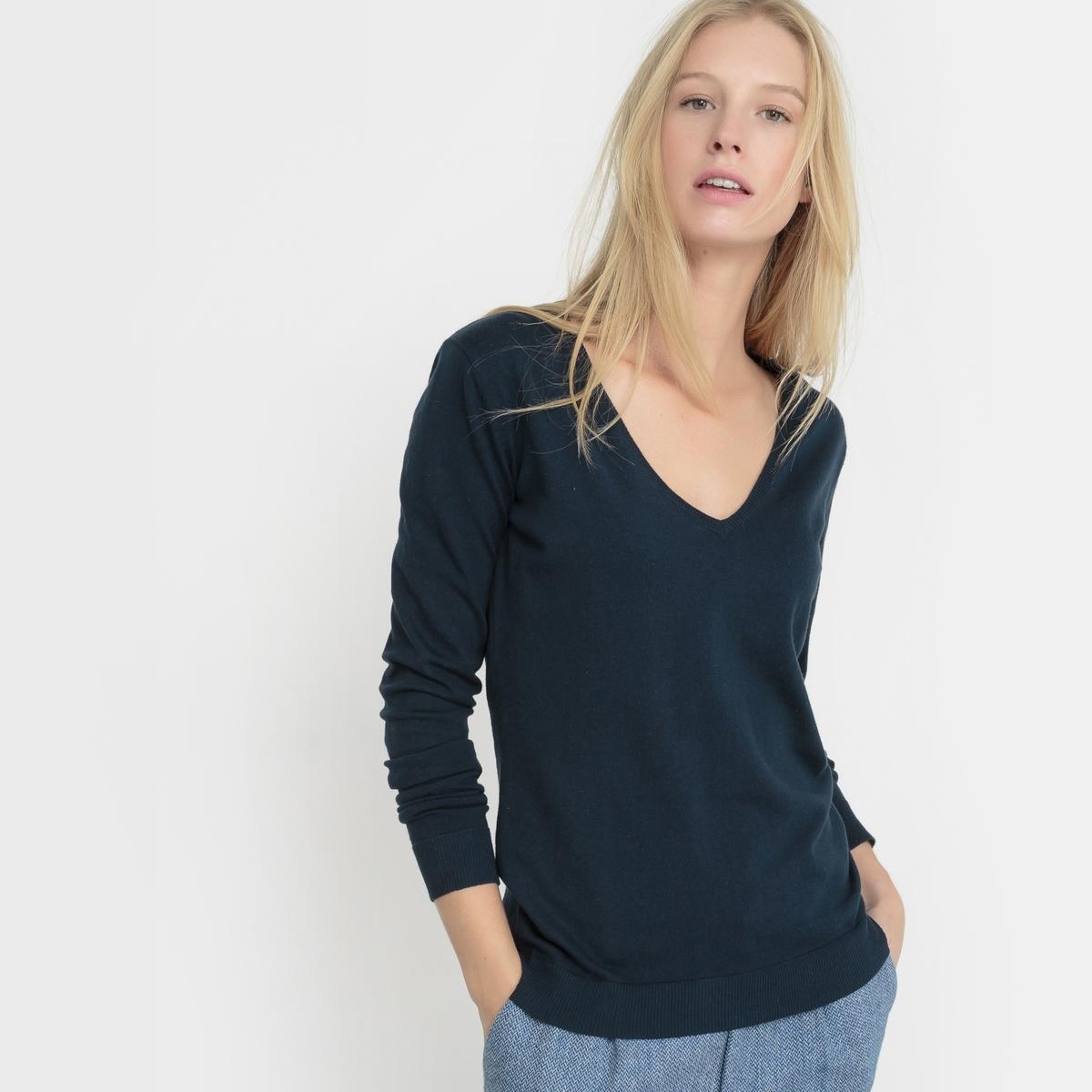 Пуловер с V-образным вырезомСостав и описание: Материал: 83% хлопка, 17% полиамида.Длина: 62 см.Марка: R ?dition.Уход:Машинная стирка при 30°C.<br><br>Цвет: синий морской,черный