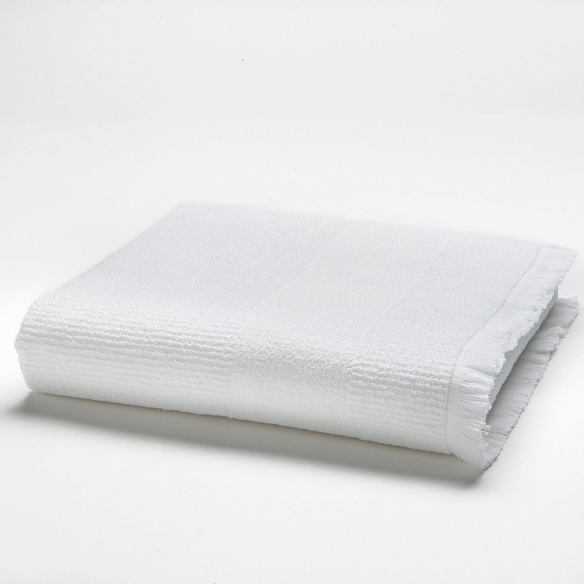 Полотенце банное махровое, 500 г/м?Описание:Банное полотенце из махровой ткани. Край отделан бахромой. 100% хлопка (500 г/м?). Мягкая и пышная махровая ткань с превосходными впитывающими свойствами. Машинная стирка при 60°.Машинная сушка.Размер полотенца:70 x 140 см.<br><br>Цвет: белый<br>Размер: 70 x 140 см