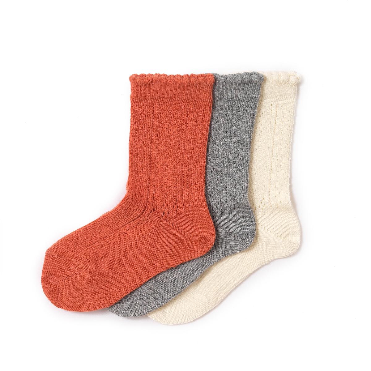 Комплект из 3 пар носков, 3-12 летСостав и описание : Материал         80% хлопка, 20% полиамидаМарка        abcdRУход :Ручная стиркаМашинная сушка запрещенаНе гладить<br><br>Цвет: экрю + розовый + серый<br>Размер: 35/38.31/34.23/26