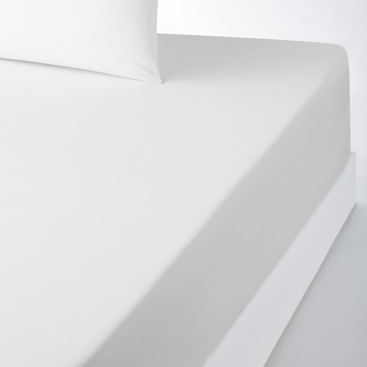 Натяжная простыня из поликоттона, специально для толстых матрасовНатяжная простыня из красивой ткани 50% хлопка, 50% полиэстера с плотным переплетением нитей, ультра мягкой и комфортной. Специально создана для толстых матрасов шириной до 30 см (клапан 32 см).Красивая гамма цветов SCENARIO позволяет создавать комплекты по настроению !Характеристики натяжной простыни из поликоттона для толстых матрасов :- Натяжная простыня из красивой ткани 50% хлопка, 50% полиэстера с плотным переплетением нитей (57 нитей/см? : чем больше плотность переплетения нитей/см?, тем качественнее материал), ультра мягкой и комфортной. - Специально создана для толстых матрасов шириной до 30 см (клапан 32 см).- Отличная стойкость цветов к стиркам (60 °С).- Глажка не требуется.Знак Oeko-Tex® гарантирует, что товары протестированы и сертифицированы, не содержат вредных веществ, которые могли бы нанести вред здоровью. Натяжная простыня  :90 x 190 см : 1-сп.140 x 190 см : 2-сп.140 x 200 см : 2-сп.160 x 200 см : 2-сп.180 х 200 см : 2-сп.Откройте для себя всю коллекцию постельного белья SC?NARIO на нашем сайте<br><br>Цвет: белый,желтый горчичный,желтый лимонный,Серо-синий,серый жемчужный,фиолетовый,черный