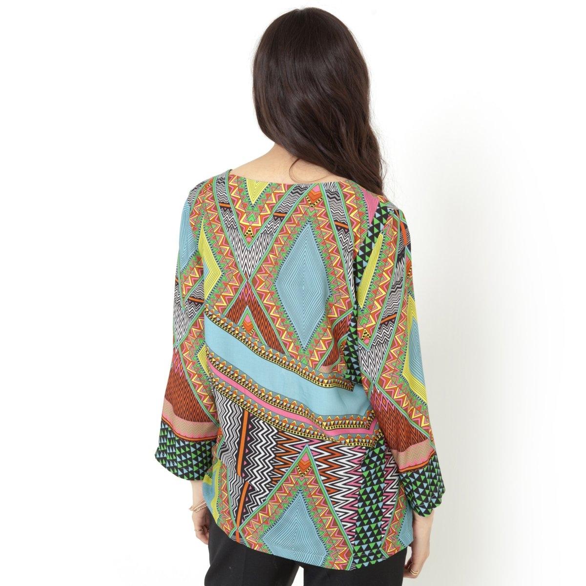 Блузка с рисункомСтруящаяся блузка с рисунком. 100% вискозы. Квадратный покрой. Рукава 3/4. Длина 63 см.<br><br>Цвет: рисунок разноцветный этнический
