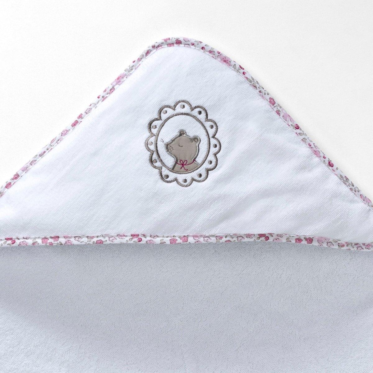 Накидка и банная рукавичка ЛилиМягкая и нежная махровая ткань с прекрасными впитывающими свойствами, 100% хлопка, 400 г/м?. Накидка: вышивка мышка, отделка контрастным кантом. Рукавичка: 1 сторона из велюра, 1 сторона из махровой ткани, отделка кантом с цветочным рисунком. Машинная стирка при 60°. Красивая идея для подарка!<br><br>Цвет: белый<br>Размер: 100 x 100  см