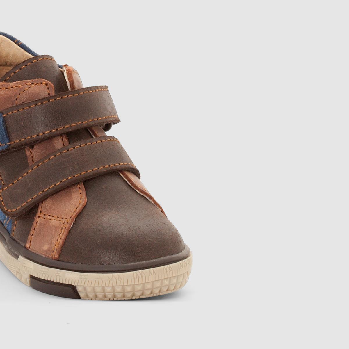 Ботинки из кожи на планке-велкроБотинки из кожи abcd'R Верх : яловичная кожаПодкладка :  кожа.Стелька : кожа.Подошва : из эластомераЗастежка : на планку-велкроПреимущества : ботинки abcd'R в стиле нео-ретро с супер практичной застежкой на липучке, невероятно удобные при носке .<br><br>Цвет: каштановый<br>Размер: 21