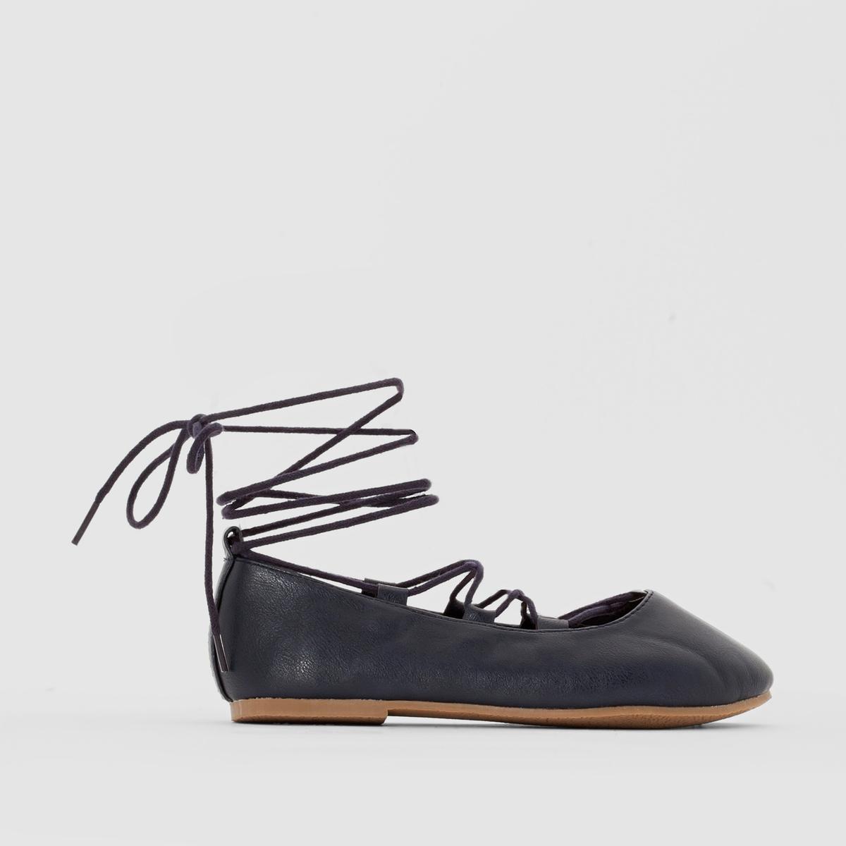 Балетки на шнуровке
