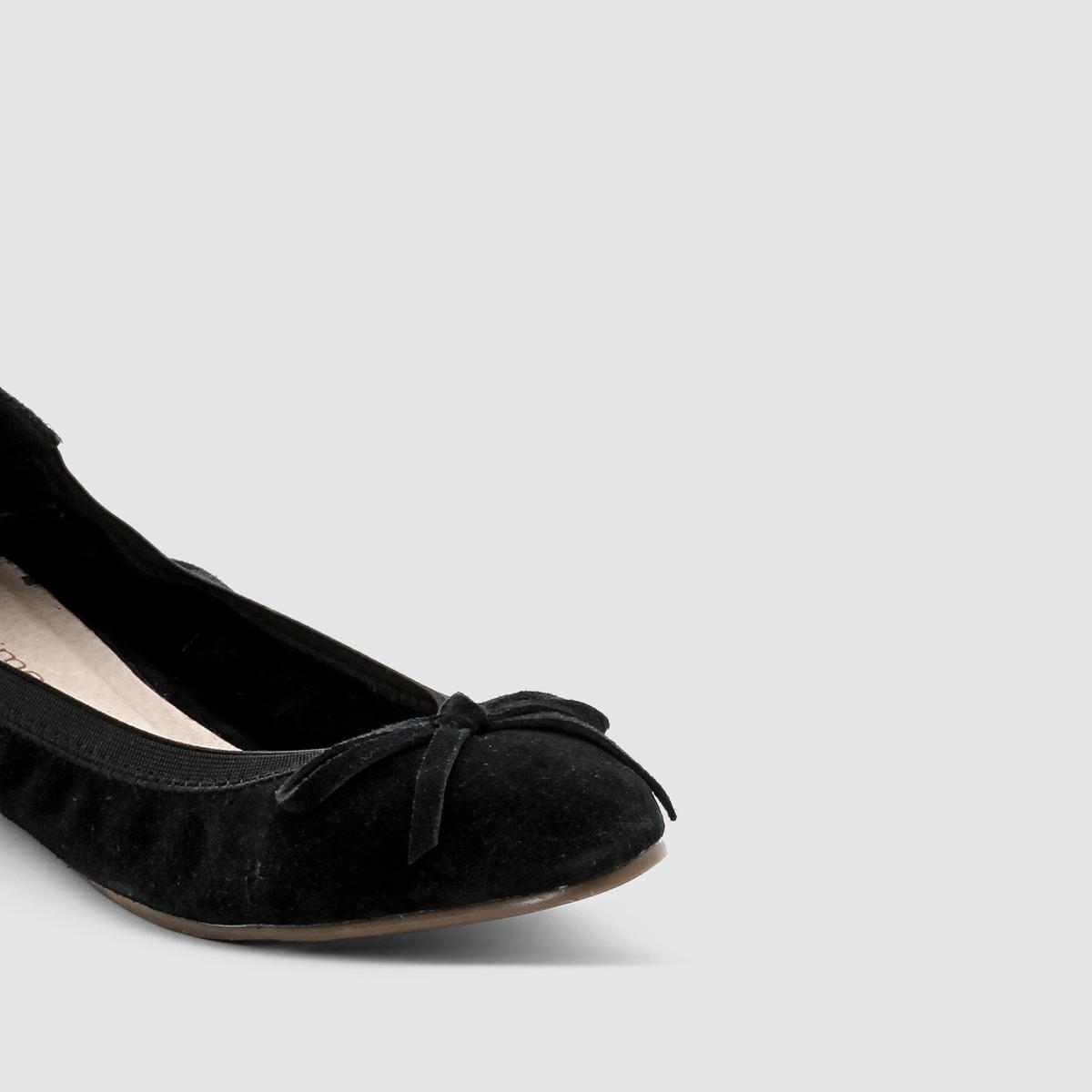 Балетки кожаныеБалетки, от 38 до 45 размера по одной цене! Модель подходит : для широкой ступни.Верх : невыделанная кожа (яловичная)Подкладка : без подкладкиСтелька : кожа на пористой основе. Подошва : нескользящий эластомер.Высота каблука : 0,5 см Преимущества : мягкие и комфортные балетки<br><br>Цвет: черный<br>Размер: 38.40.41