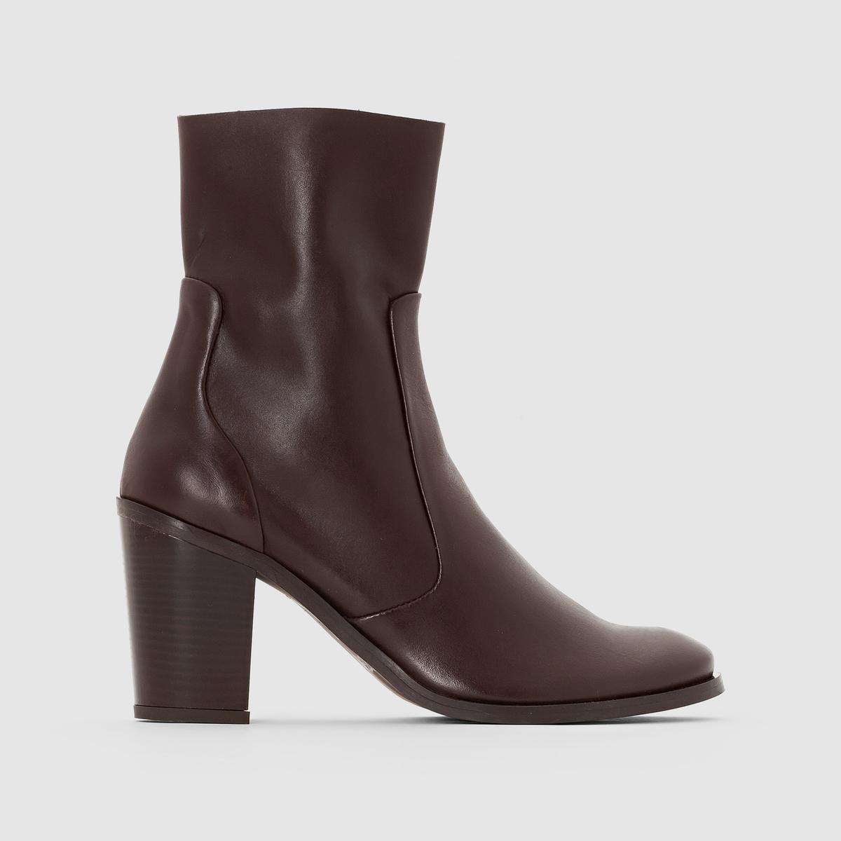 Ботильоны кожаные на каблукеПреимущества : эти ботильоны с мелкозернистой кожей, с застежкой на молнию и на высоком каблуке не оставят никого безразличным .<br><br>Цвет: каштановый,черный<br>Размер: 39.38