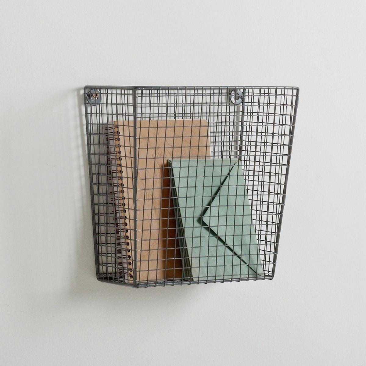 2 металлические корзины для хранения.Особые крепления повзоляют прикрутить корзины к стене для максимальной экономии свободного пространства.Размер первой корзины: 25,4 x 12,7 x 25,4 см.Размер второй корзины: 30,5 x 15,5 x 30,5 см.<br><br>Цвет: серый<br>Размер: единый размер