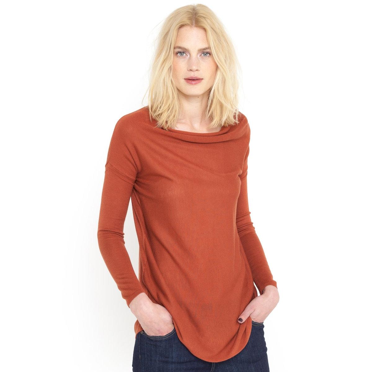Пуловер с драпировкой на вырезеПуловер с драпировкой на вырезе. 50% вискозы, 40% акрила, 10% мериносовой шерсти. Длинные рукава. Края связаны в рубчик. Застежка на молнию на плече. Длина 70 см.<br><br>Цвет: розовый,темно-оранжевый,черный<br>Размер: 46/48 (FR) - 52/54 (RUS).46/48 (FR) - 52/54 (RUS).50/52 (FR) - 56/58 (RUS)