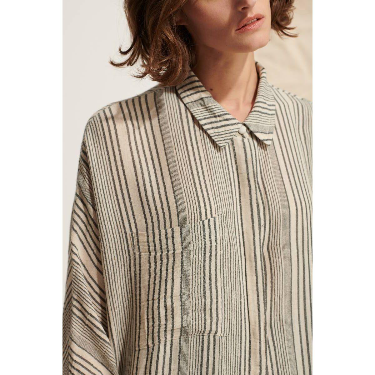 Robe chemise en gaze rayée
