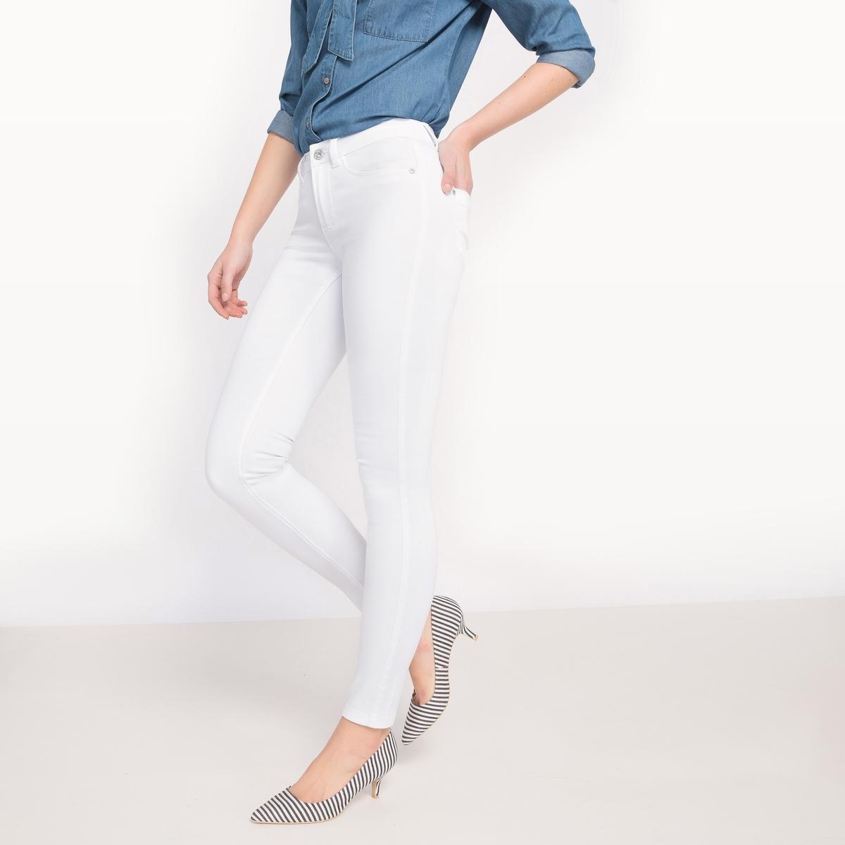 Джинсы-скинни с поясом стандартной высотыМатериал: 66% хлопка, 2% эластана, 32% полиэстера. Высота пояса: стандартная.Покрой джинсов: скинни.Длина джинсов: длина 32.<br><br>Цвет: белый<br>Размер: L.M