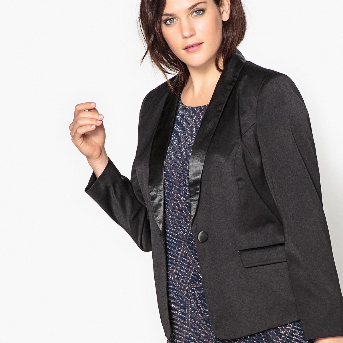Куртка-блейзер приталеннаяКуртка покроя смокинг будет идеально смотреться в сочетании с вечерним платьем.  Элегантная куртка на любой случай в стиле смокинг быстро станет вашей любимым предметом гардероба.Детали •  Блейзер •  Приталенный покрой  •  Длина : укороченная •  Шалевый воротникСостав и уход •  33% вискозы, 3% эластана, 64% полиэстера •  Температура стирки при 30° на деликатном режиме  •  Сухая чистка и отбеливание запрещены •  Не использовать барабанную сушку  •  Низкая температура глажки Товар из коллекции больших размеров<br><br>Цвет: черный