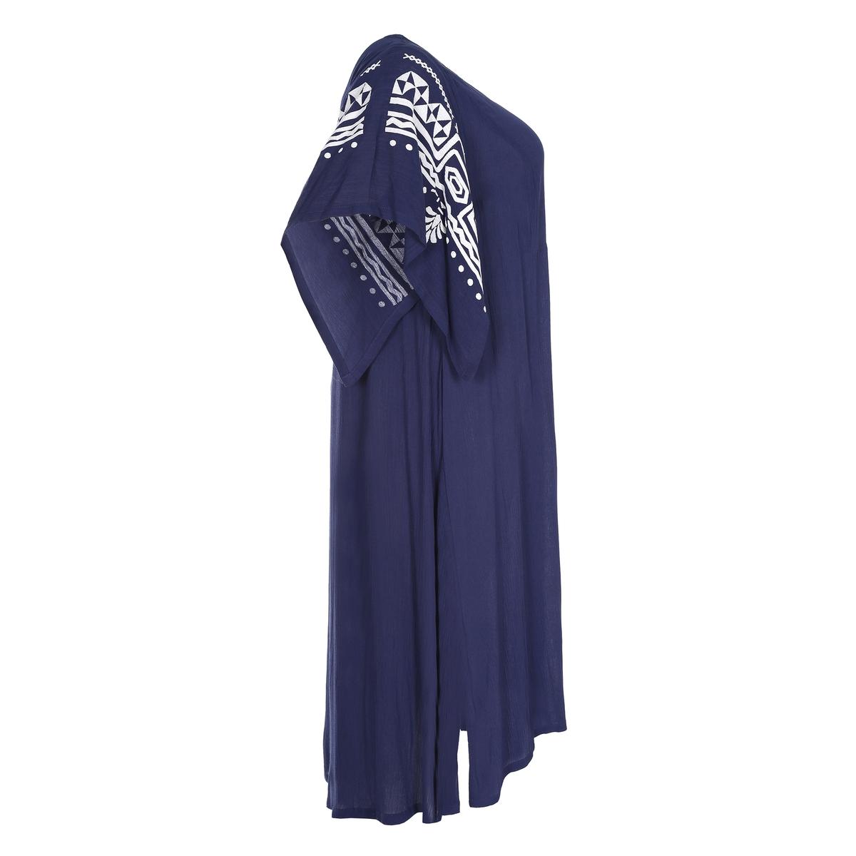 ПлатьеПлатье с короткими рукавами MAT FASHION. 100% вискоза. Объемный покрой с рисунком в племенном стиле контрастных цветов на рукавах. Короткие рукава. V-образный вырез.<br><br>Цвет: синий<br>Размер: 50/54