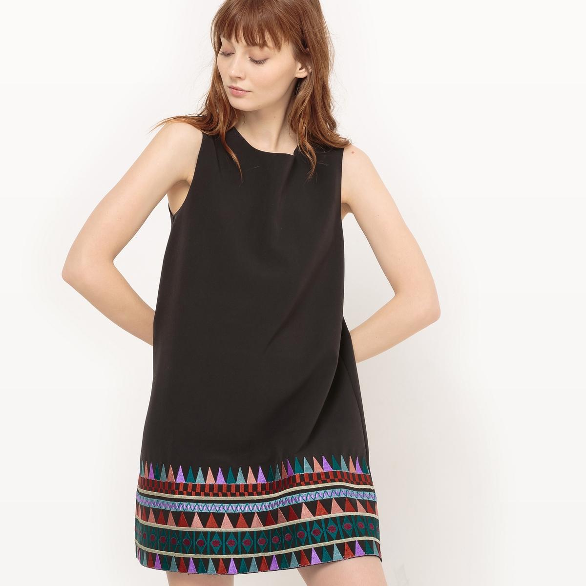 Платье-трапеция с вышивкойДетали   •  Форма : прямое  •  короткое  •  Без рукавов     •  Круглый вырез  •  Графический рисунок Состав и уход   • 10% эластана, 90% полиэстера   •  Просьба следовать советам по уходу, указанным на этикетке изделия<br><br>Цвет: черный<br>Размер: XL