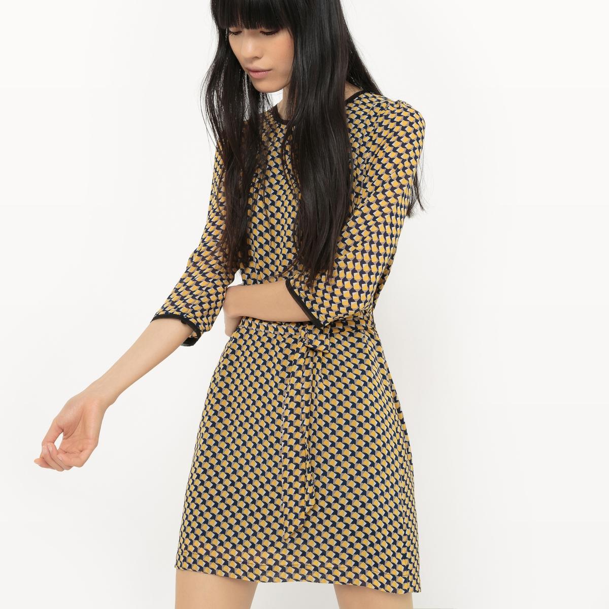 Платье прямого покроя с рисунком и поясом - Эксклюзивная модельМатериал : 100% вискоза, 100% полиэстер  Длина рукава : рукава 3/4  Форма воротника : круглый вырез Покрой платья : платье прямого покроя   Рисунок : графичный  Особенность платья : с поясом Длина платья : укороченная модель<br><br>Цвет: рисунок/желтый