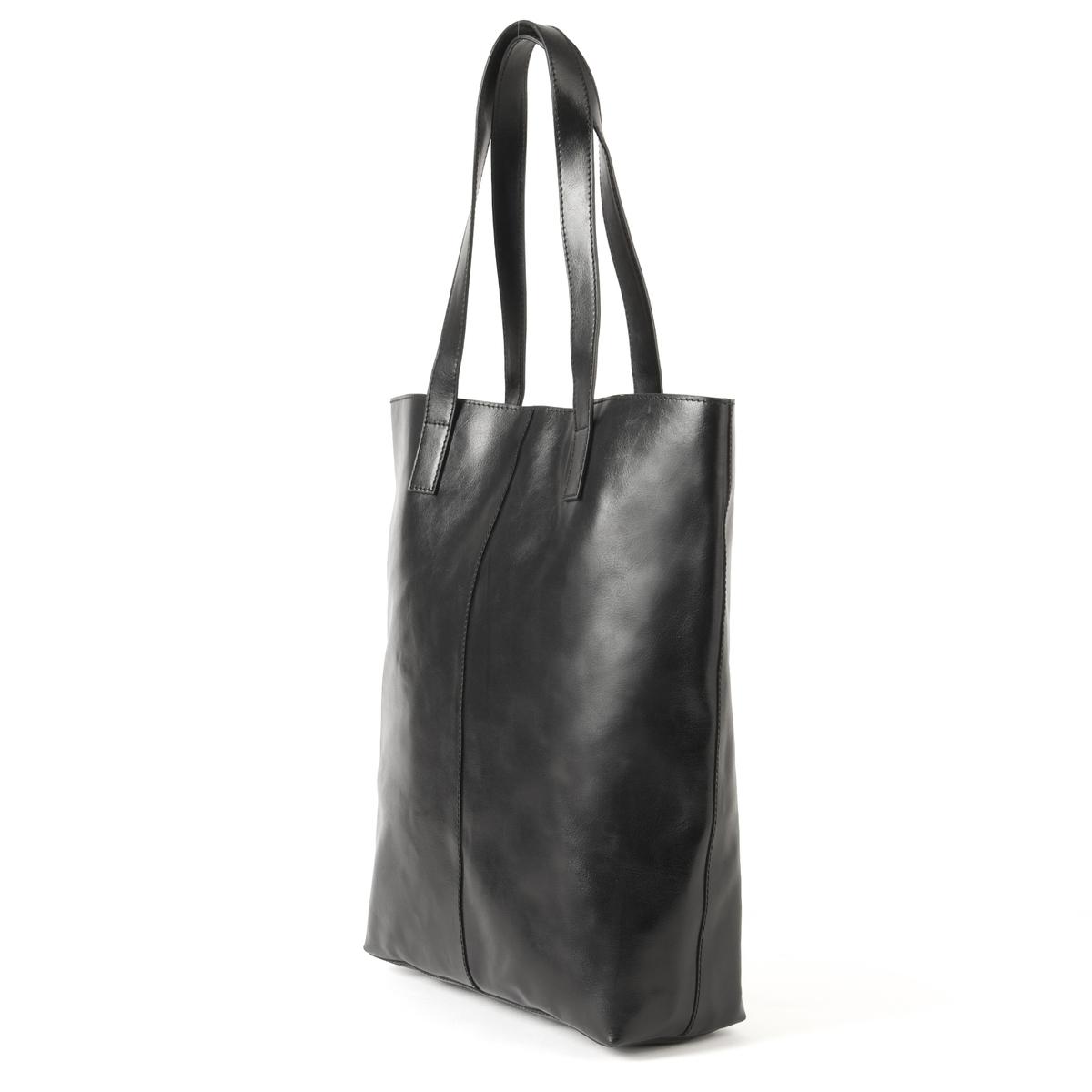 Сумка кожанаяОписание:Очень практичная сумка, 100% кожи, 100% стиля: подходит для прогулок по городу или непродолжительных поездок! Состав и описание : Материал : верх 100% яловичная кожа             текстильная подкладкаРазмеры : 30 X 10 X 38 смЗастежка :  кнопка на магнитеВнутренние карманы : 1 карман на молнии, 2 кармана для мобильных<br><br>Цвет: черный