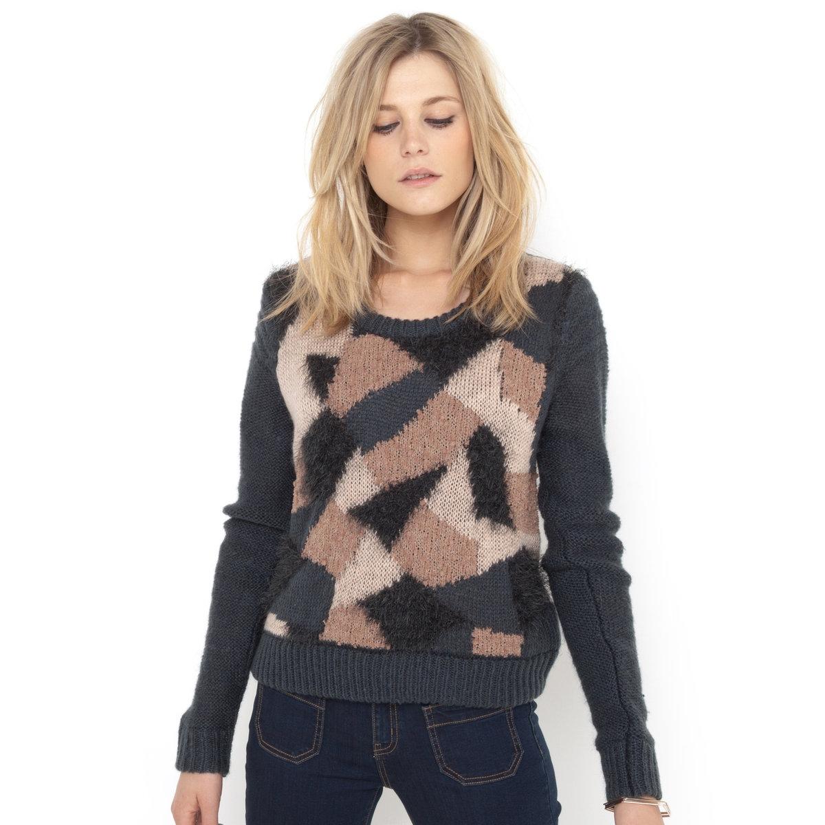Пуловер с камуфляжным орнаментомЖаккардовый пуловер с камуфляжным орнаментом. Свободный вырез. Длинные рукава. 70% акрила, 30% полиэстера.Длина.55 см<br><br>Цвет: разноцветный рисунок<br>Размер: 46/48 (FR) - 52/54 (RUS)